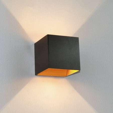 Arcchio Čierne nástenné LED svietidlo Aldrina vnútri zlaté