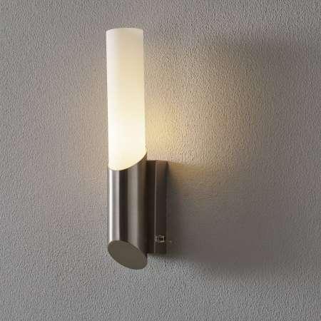 Briloner Moderné kúpeľňové svetlo Hagen s vypínačom