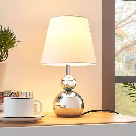 Lindby Biela látková stolná lampa Andor podstavec chróm