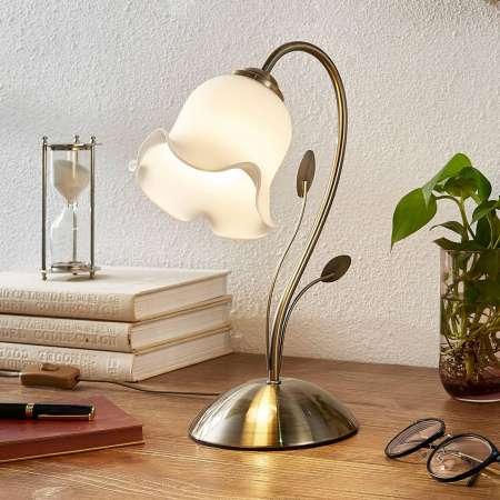 Lindby Kvetinovo navrhnutá stolná lampa Matea