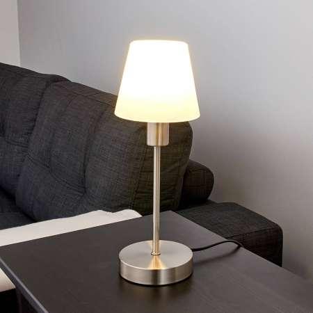 Lindby Nočná lampička Avarin s LED žiarovkou