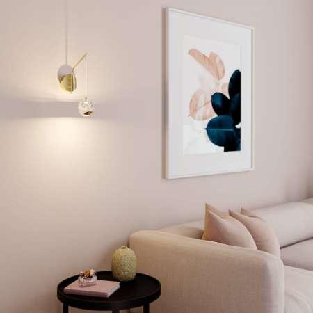 Lucande LED nástenná lampa Hayley, zavesená guľa, zlatá